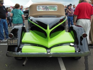 1932 Auburn Boattail Speedster. What color!