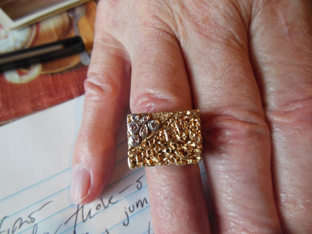One item that Lee has to remember Evel by is this ring. If you look closely you will be able to make out the motorcycle design. Evel gave these diamond-encrusted rings to close friends.