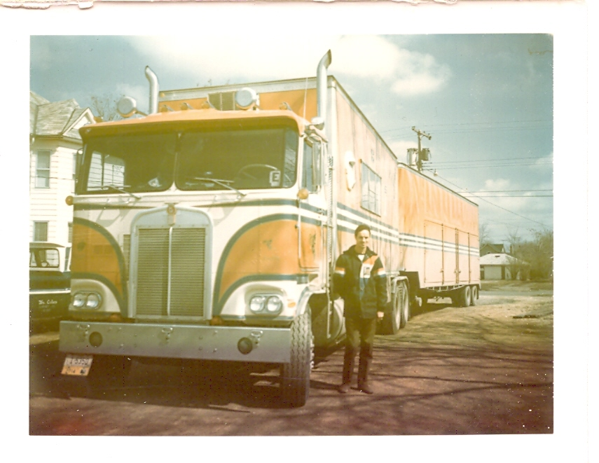 Contrary to what Evel believed, they did make a tow truck was big enough to pull this rig. That's Lee standing next to over 60 feet of truck.